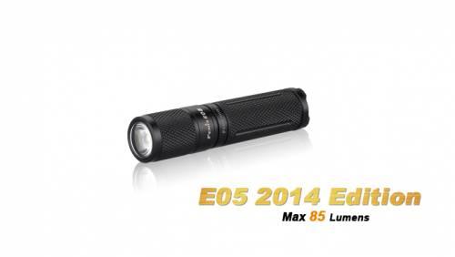 Lanterna model e05 xp-e2 r3 - negru - model 2014
