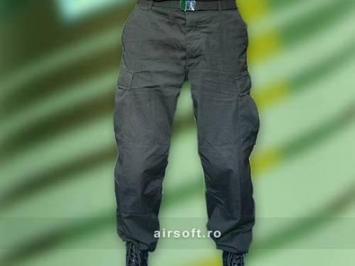 Pantaloni model ripstop (negru)