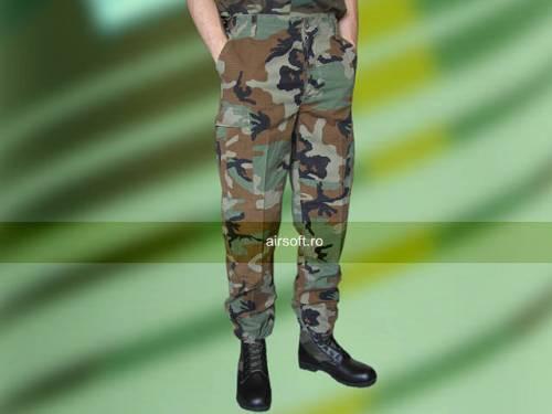 Pantaloni model ripstop (woodland prespalati)